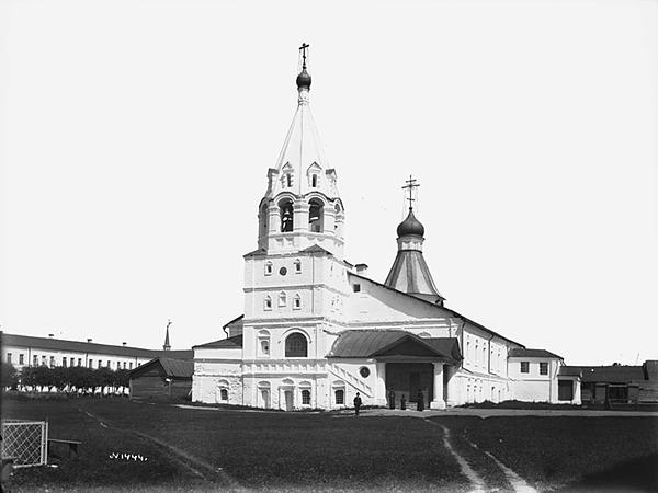 Покровская церковь и келейный корпус