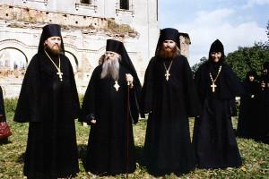 Епископ Евлогий (Смирнов), архим. Досифей, архим. Нил, иг. Иоанна, 1994 год