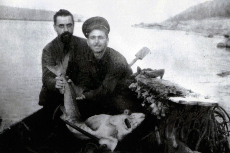 на ловле рыбы во время ссылки в Красноярсокм крае