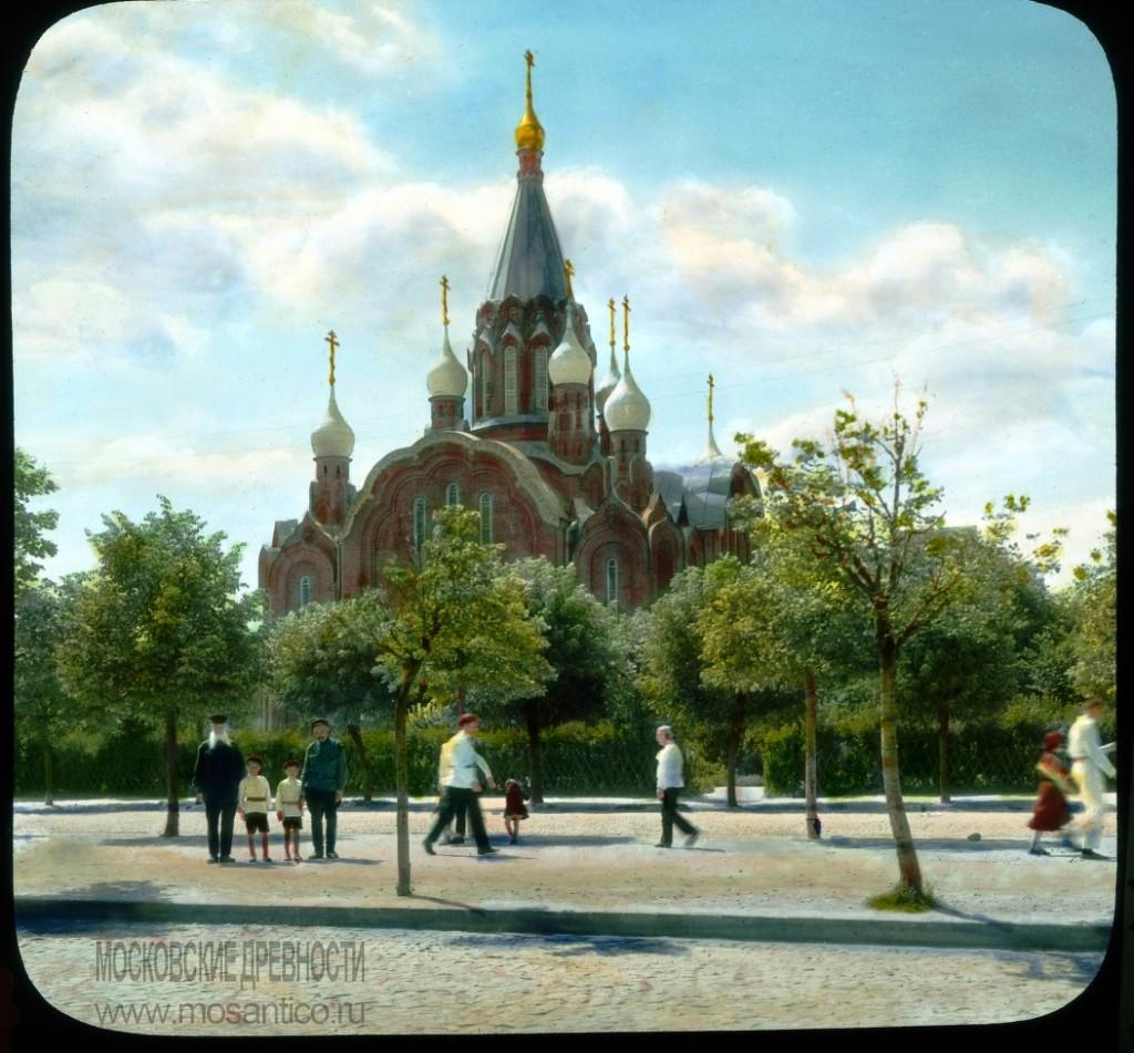 Воскресенский храм в Сокольниках, фото Брансона ДеКу 1931 г.