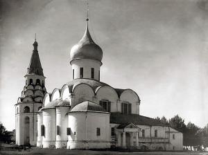 Троицкий собор Успенского монастыря фото сер. ХХ в.