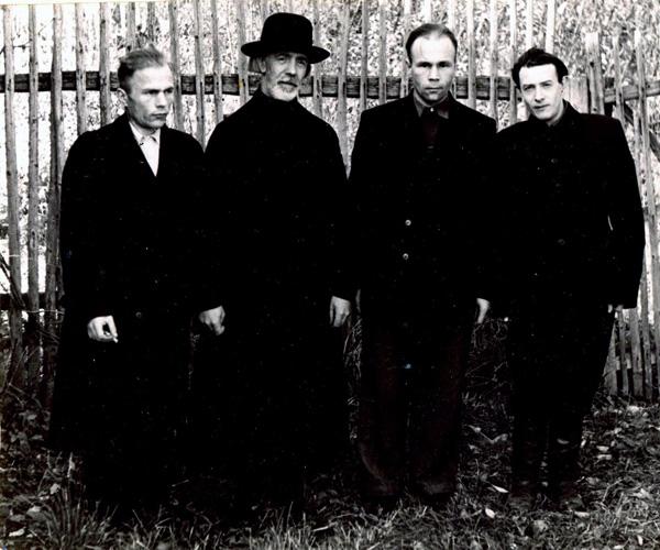 отец Сергий с сыновьями