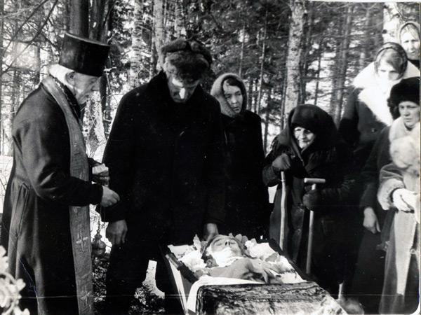 погребение умершего в Снегиреве