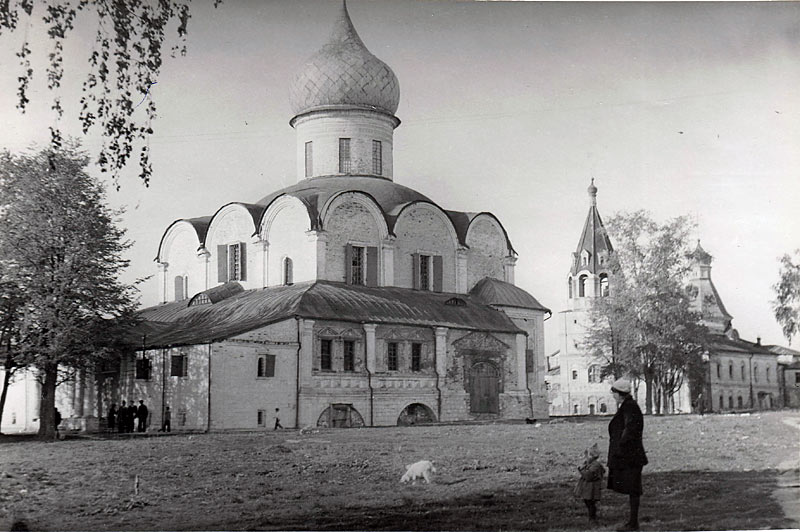 Фото 1050 г. из архива Владспецреставрации