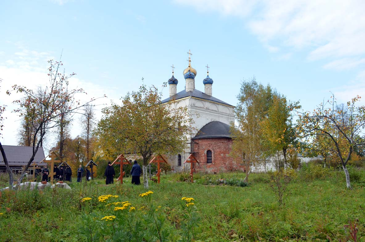 Место-погребения-Н.Чупахиной-Лукианова пустынь