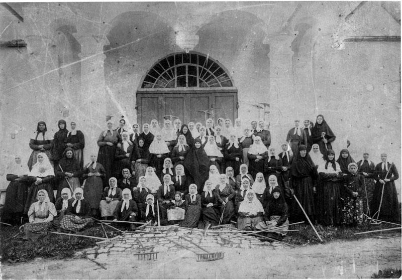 Насельницы Успенского Александровского монастыря
